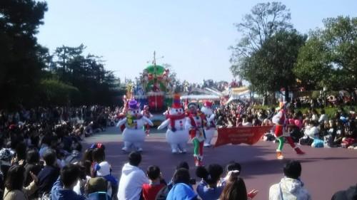 DSC 7294 500x281 ディズニークリスマス初日にパレードを見ました!待ち時間など