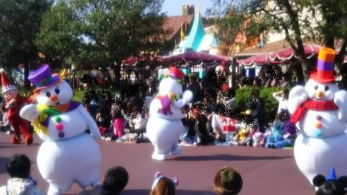DSC 7295 500x281 ディズニークリスマス初日にパレードを見ました!待ち時間など