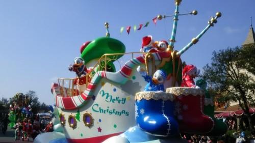 DSC 7298 500x281 ディズニークリスマス初日にパレードを見ました!待ち時間など