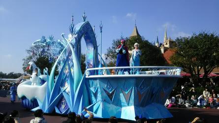 DSC 7331 ディズニークリスマス初日にパレードを見ました!待ち時間など